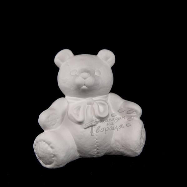 Керамична фигура - Мече седнало с шалче